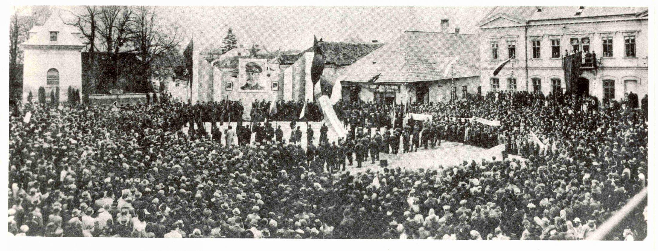 1. Máj 1945 V Turčianskom Sv. Martine, na námestí SNP