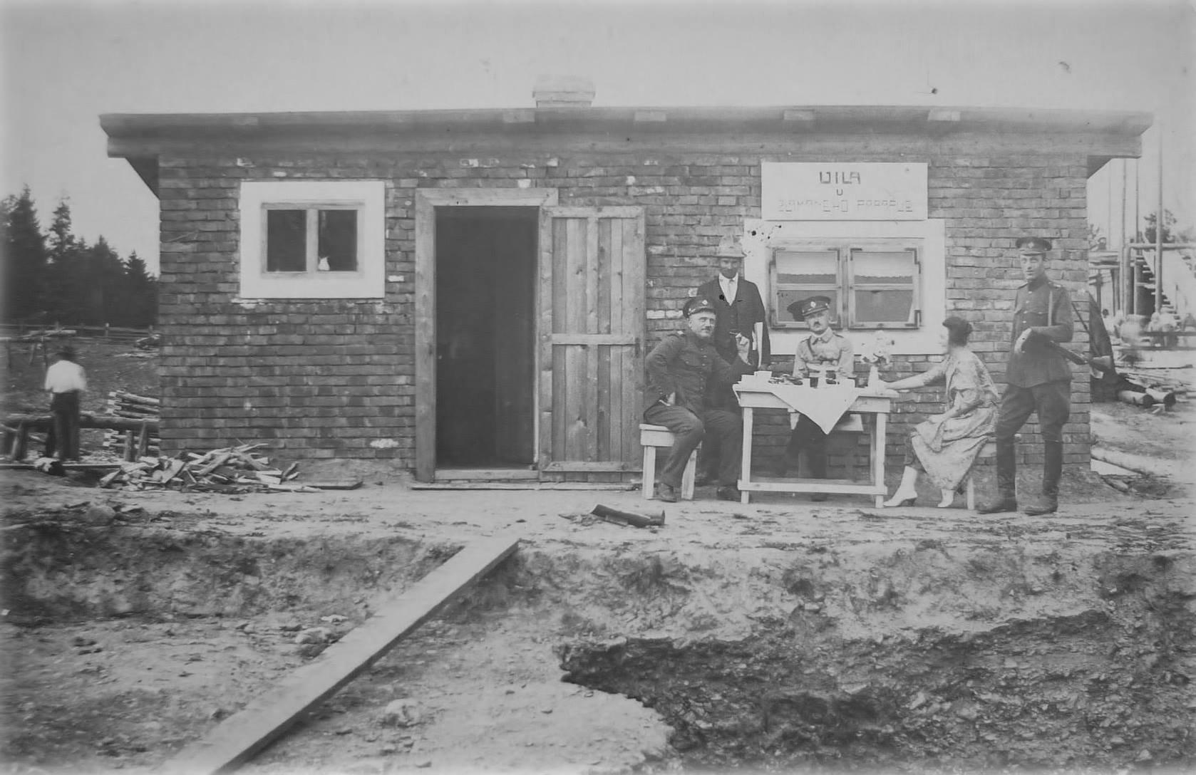 1925 - Stavba kasárni