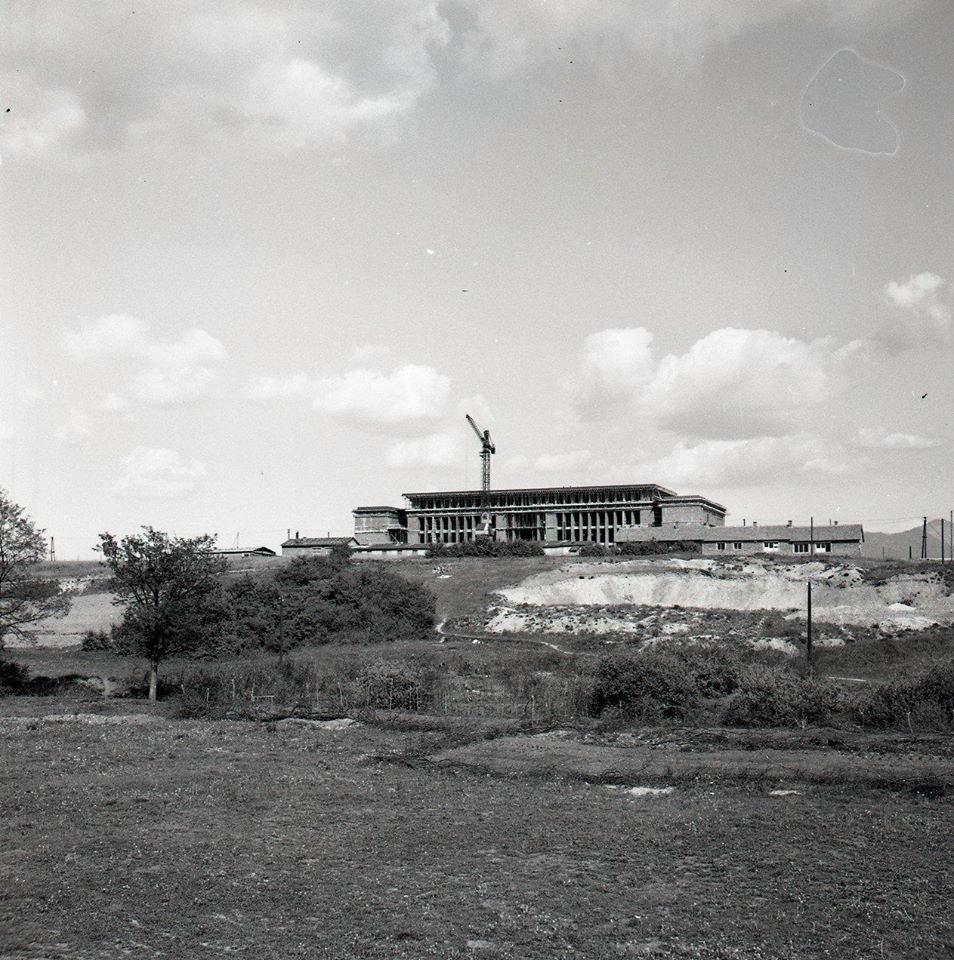 1956 - Moderná budova strojníckej priemyslovky