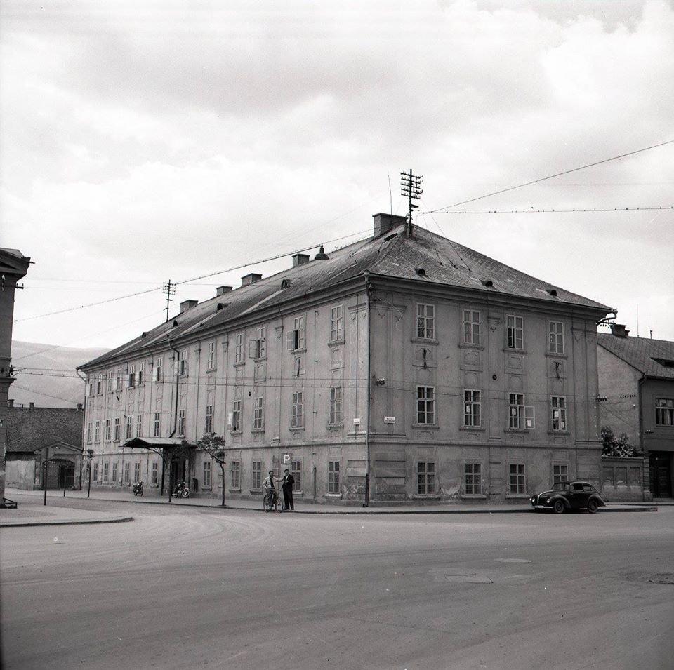 1956 - Budova Bývalej Turčianskej župy Patrí Tiež Medzi Najstaršie Budovy