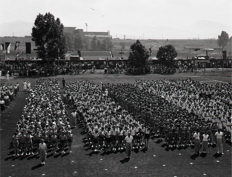 1958 - Slávnostný Nástup Cvičencov Na štadióne Spartaku Martin