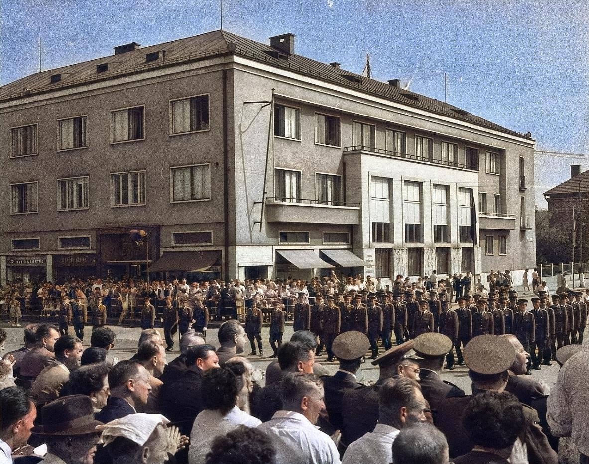 1960 - Menovanie nových poručíkov našej armády