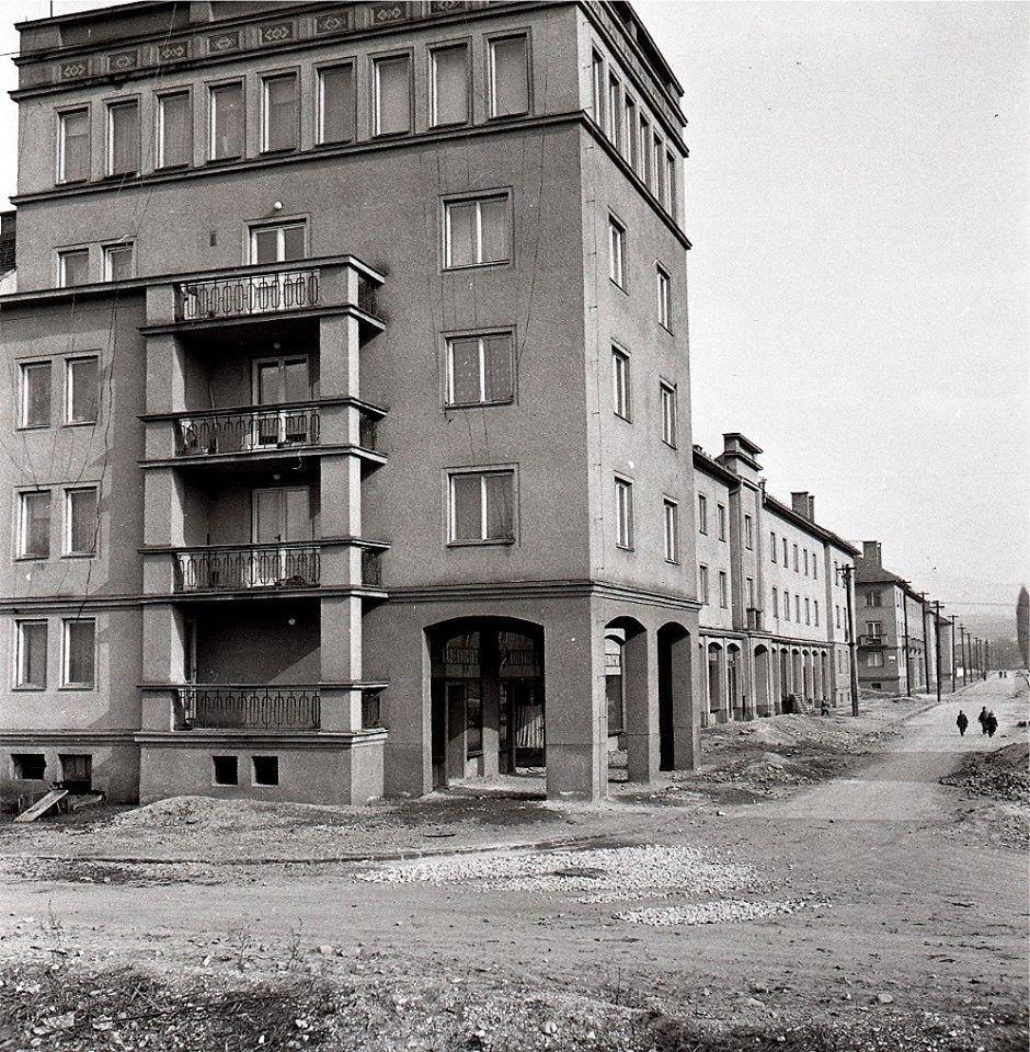 1960 - zábery z nového sídliska Komenského štvrť