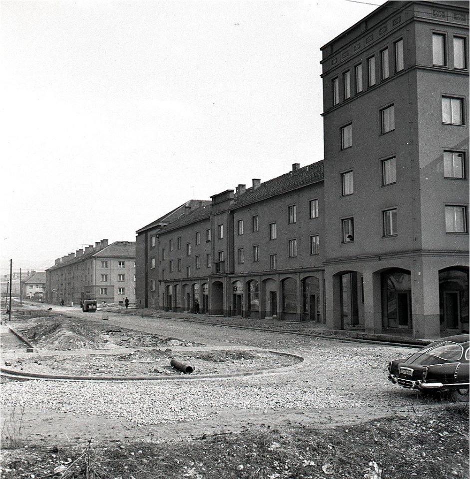 1960 - Zábery z nového sídliska zvaného Komenského štvrť