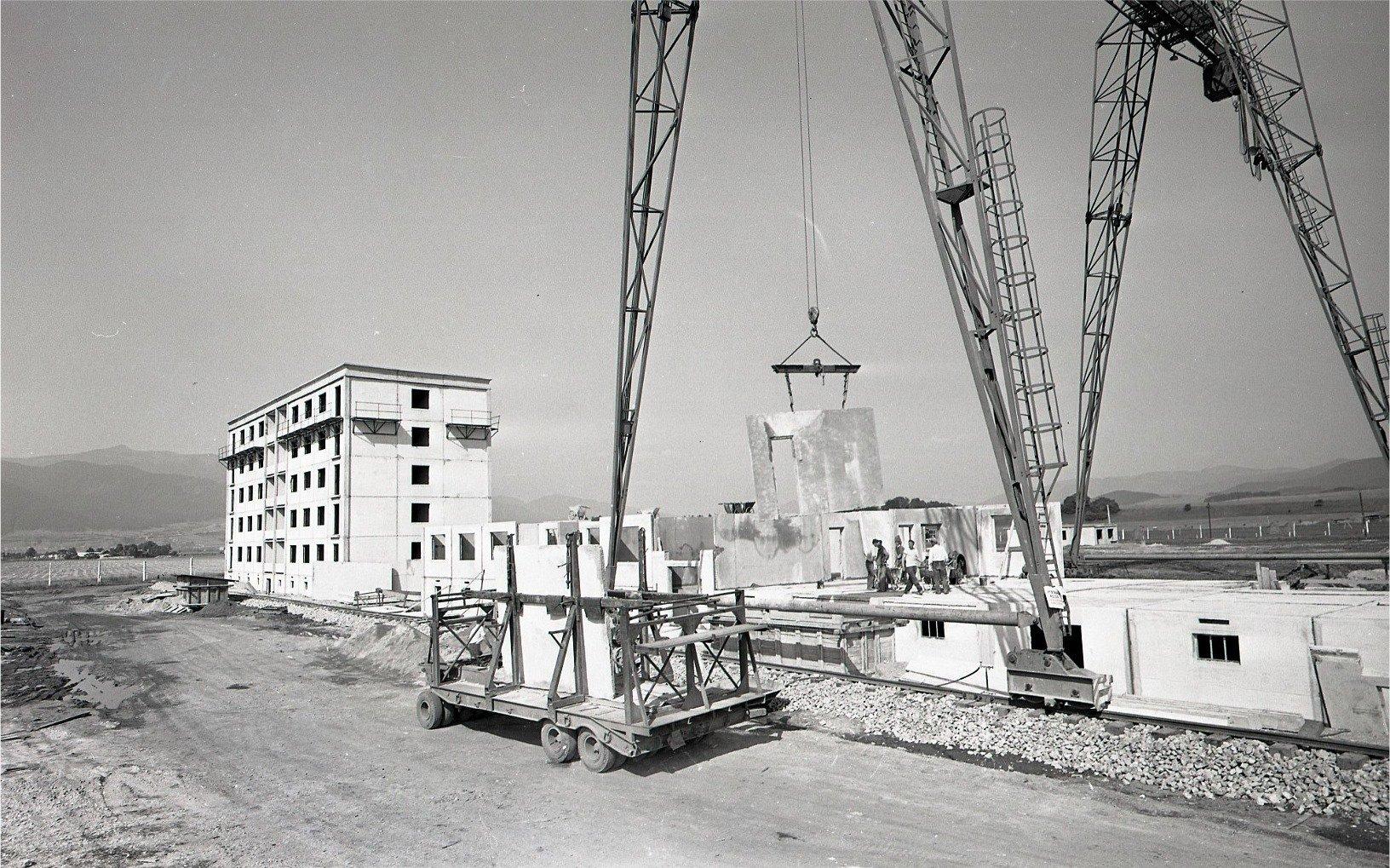1964 - Budovateľov, sever