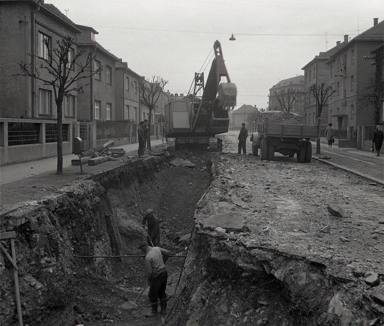 1964 - záber z výstavby vodovodnej siete v Martine