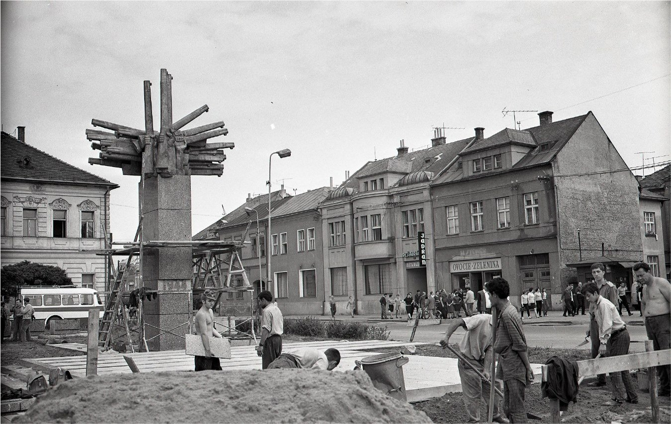 1969 - Zábery zo stavby pamätníka