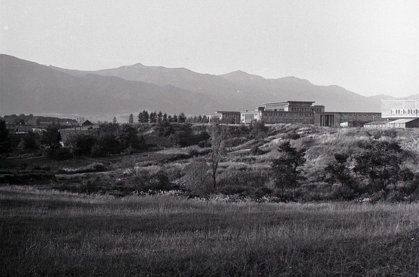 Stredná priemyselná škola, 1971