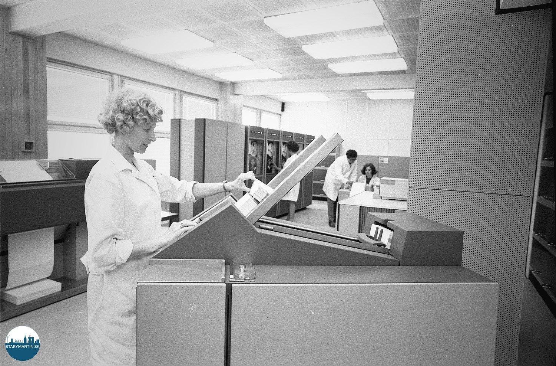 1971 - Výpočtové stredisko Ústavu technológie a racionalizácie Závodov ťažkého strojárstva v Martine dostalo