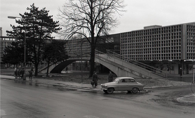 FIX, 1975