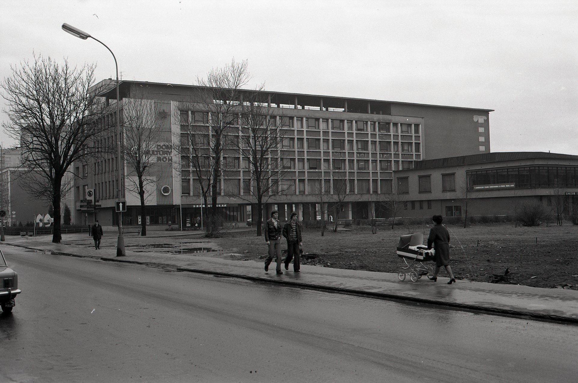 1975 - Dom Kultúry ROH Strojár