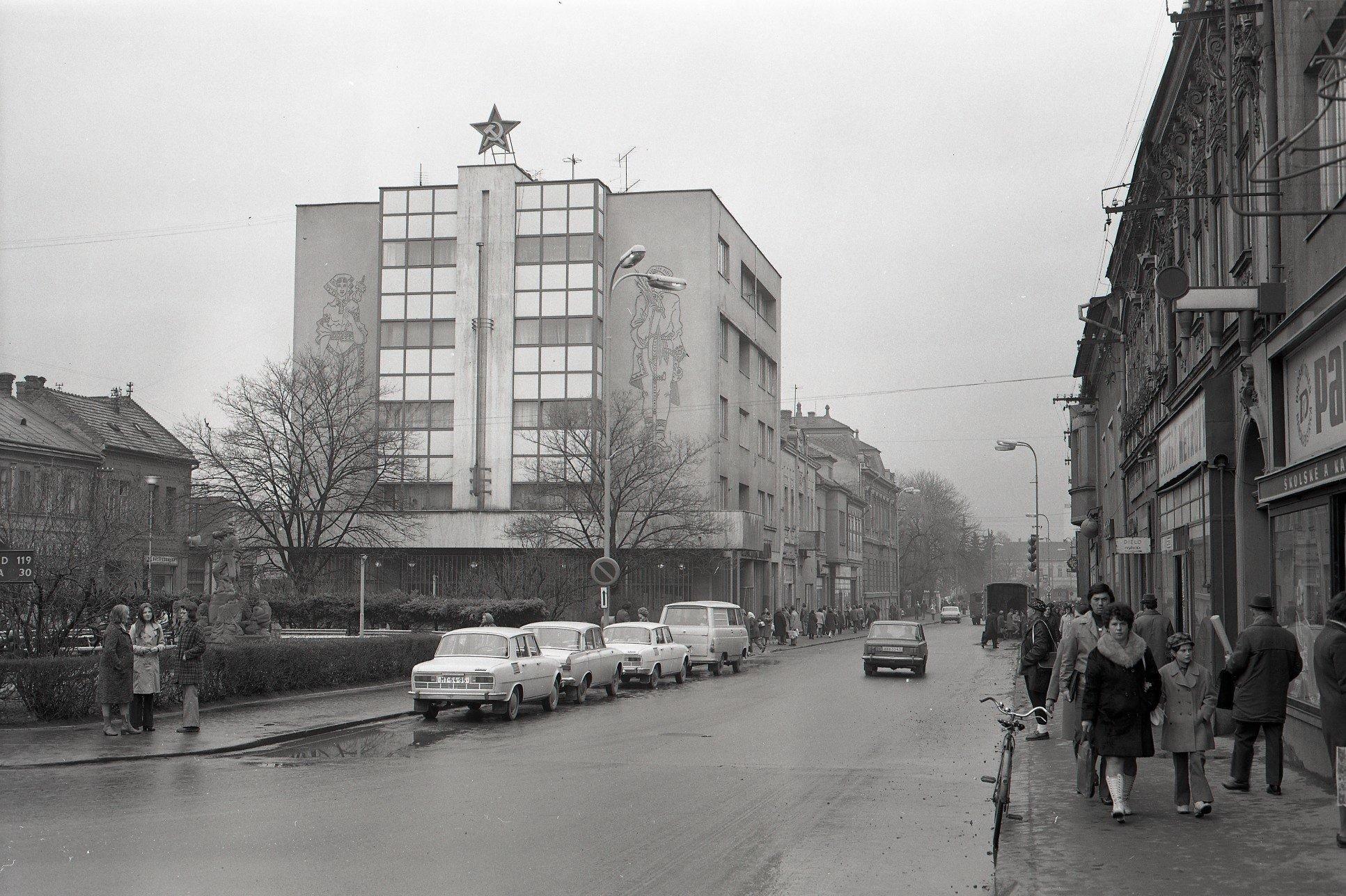1975 - Námestie SNP
