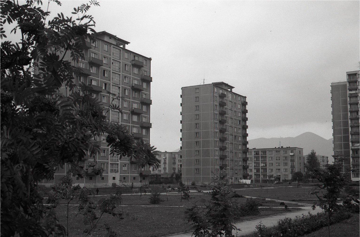 Sever, 1976