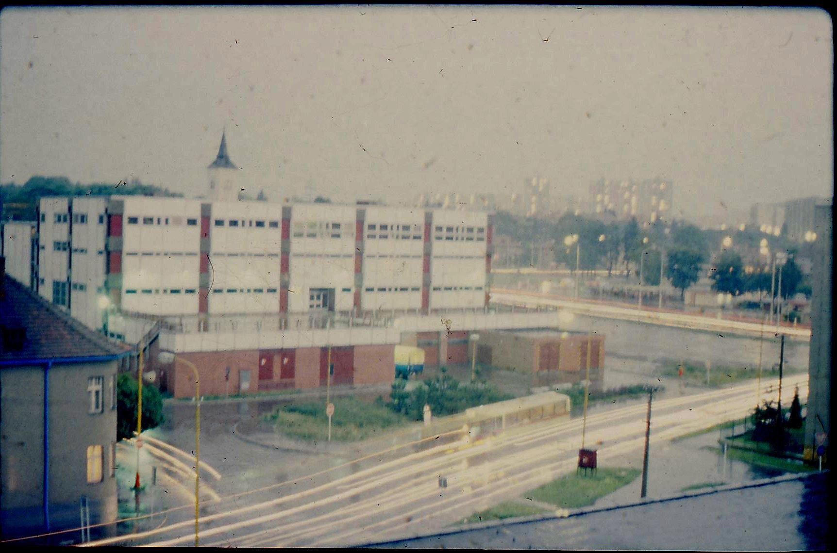 1982 - Prior