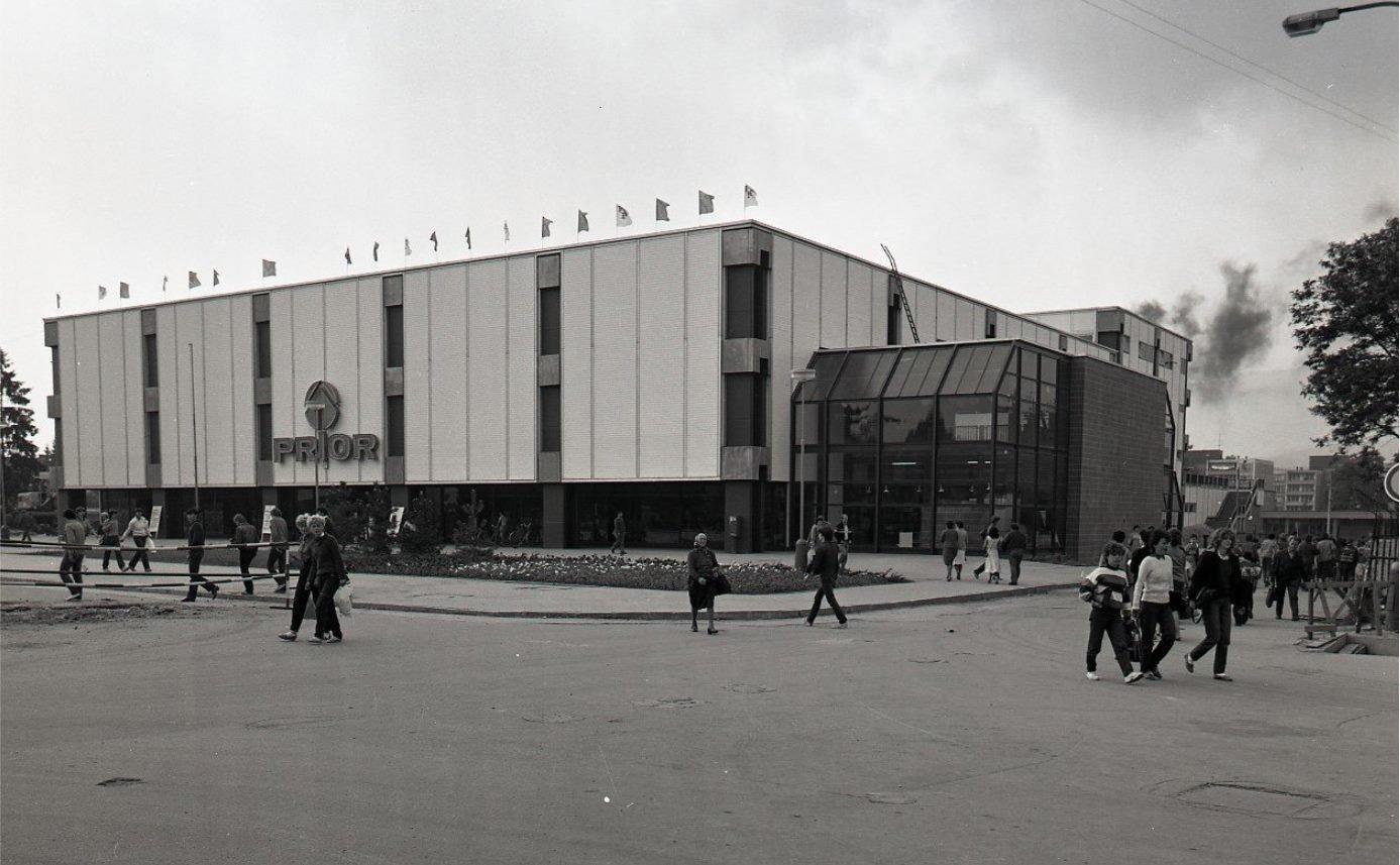 1984 - Prior