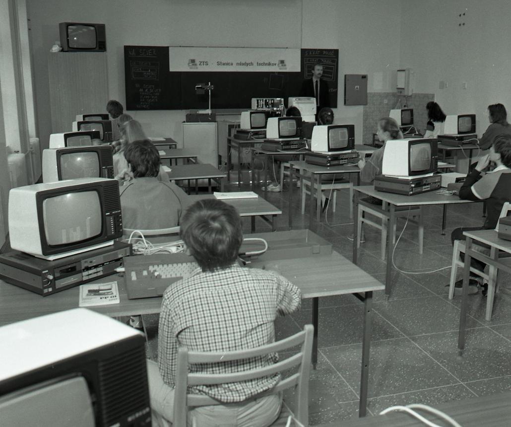 1988 - počítačový klub