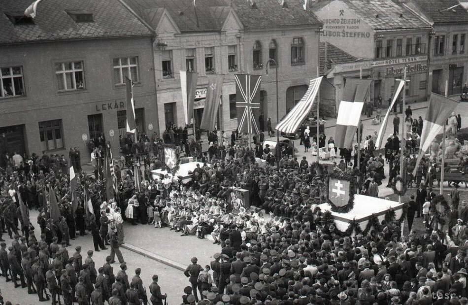 29.8.1945 - Oslava 1. Výročia SNP