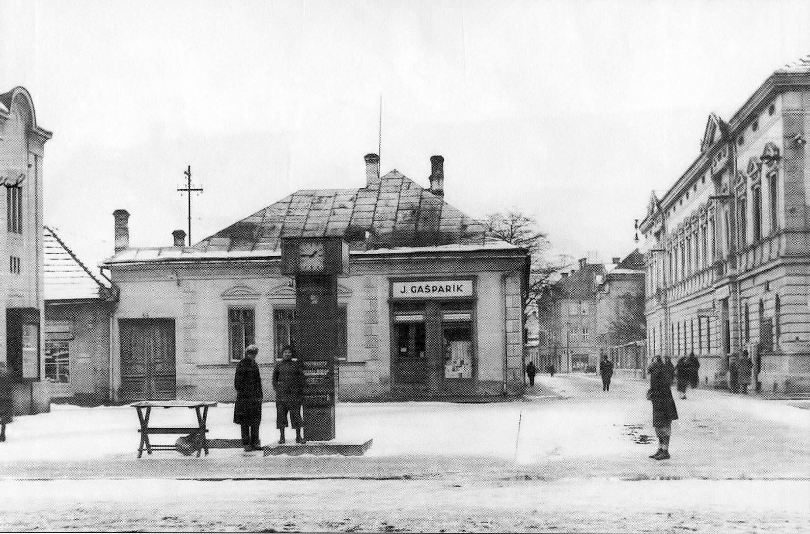 Pohľad na Gašparíkov dom, 60te roky