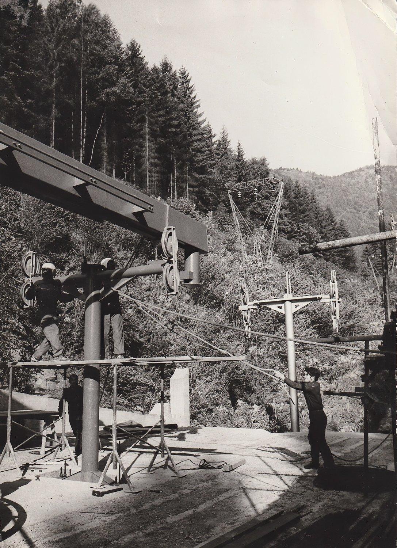 1974 - vystavba lanovky