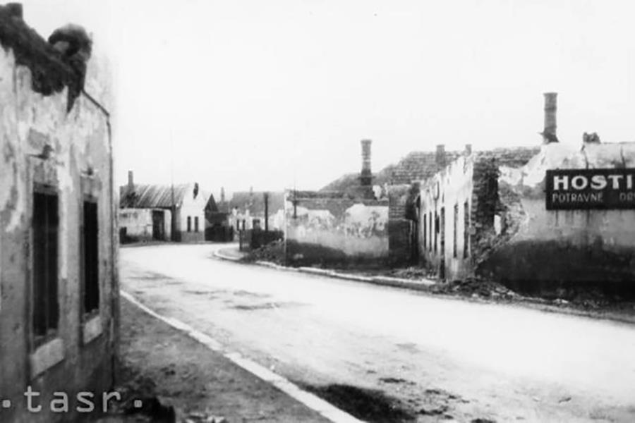 Pohľad na fašistami vypálenú obec Priekopa, 40te roky