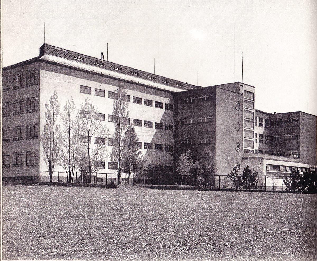 ZDŠ Medveckého, gymnázium, 60te roky