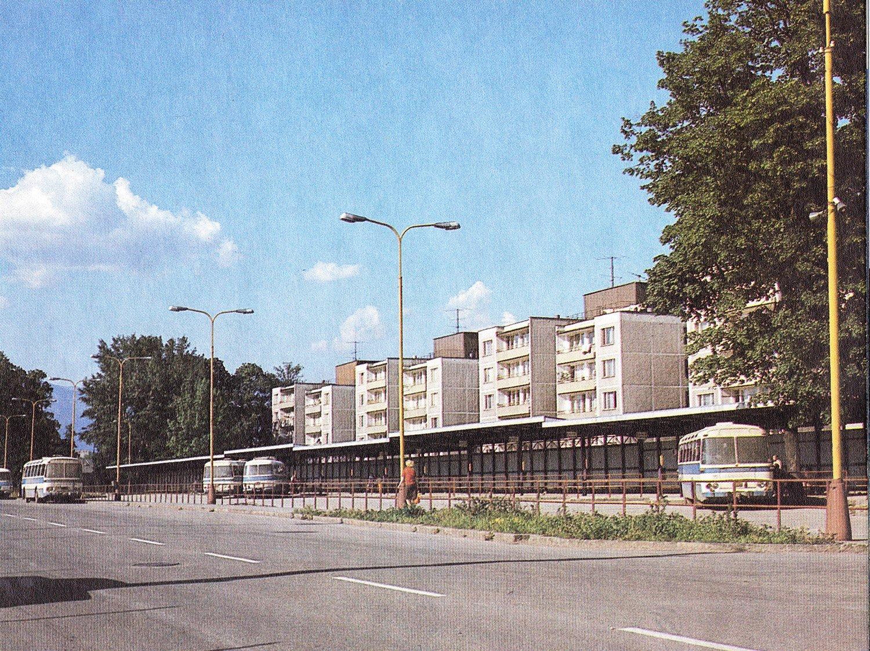 Autobusová stanica, 70te roky
