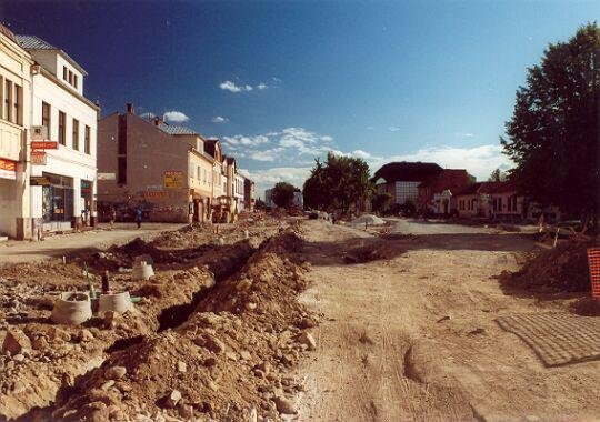 Výstavba pešej zóny, 90te roky