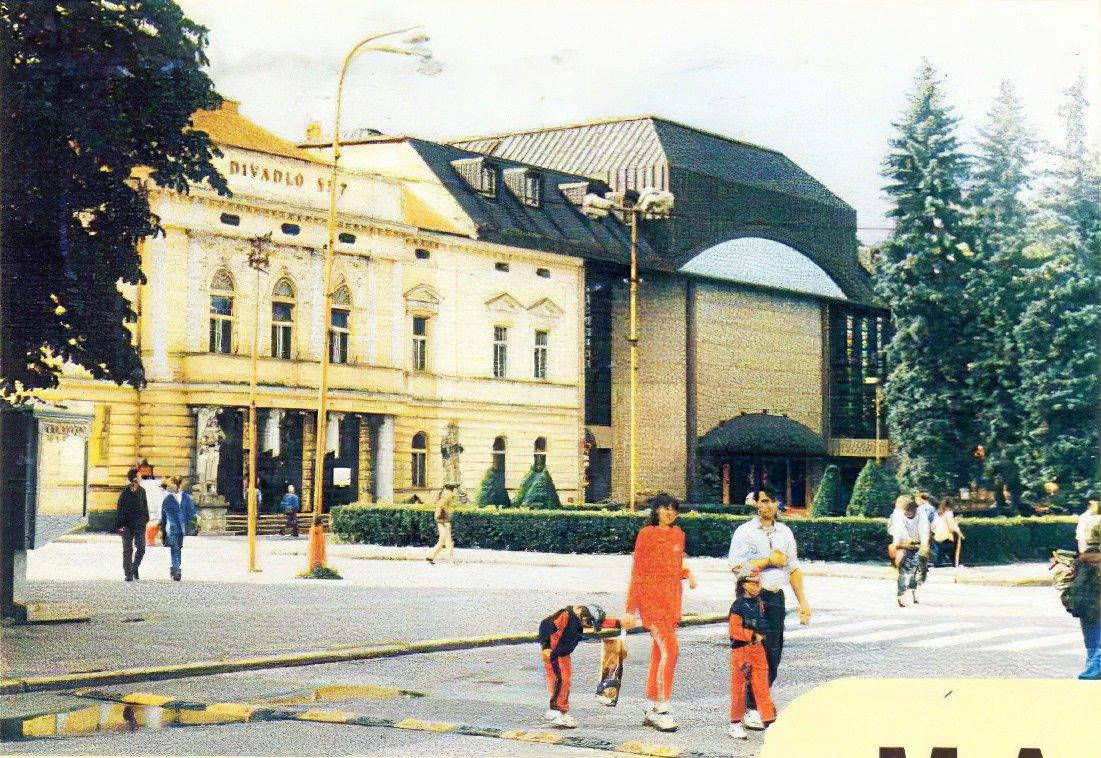 Centrum v 90tych rokoch