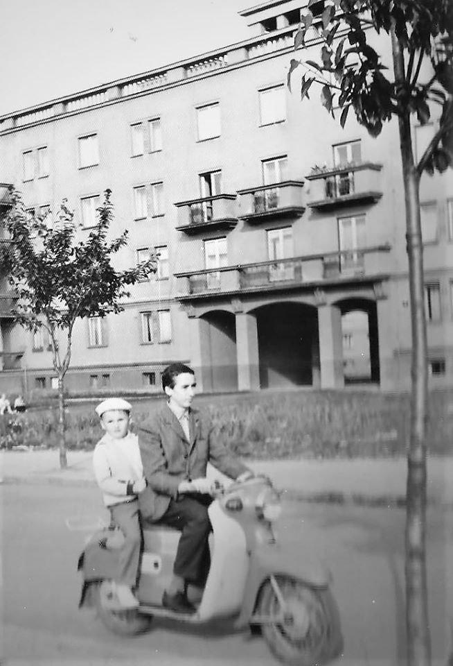 Komenského, 1962