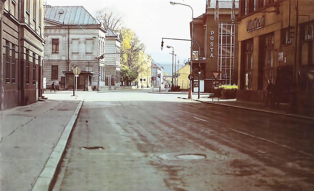 Mesto - centrum, 80te roky