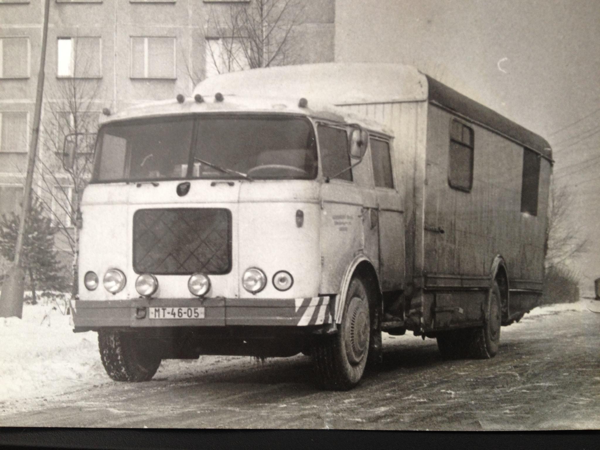 Asi pojazdný obchod, 80te roky