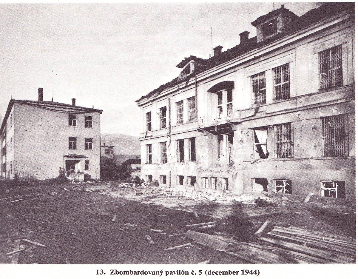 Nemocnica, 1944