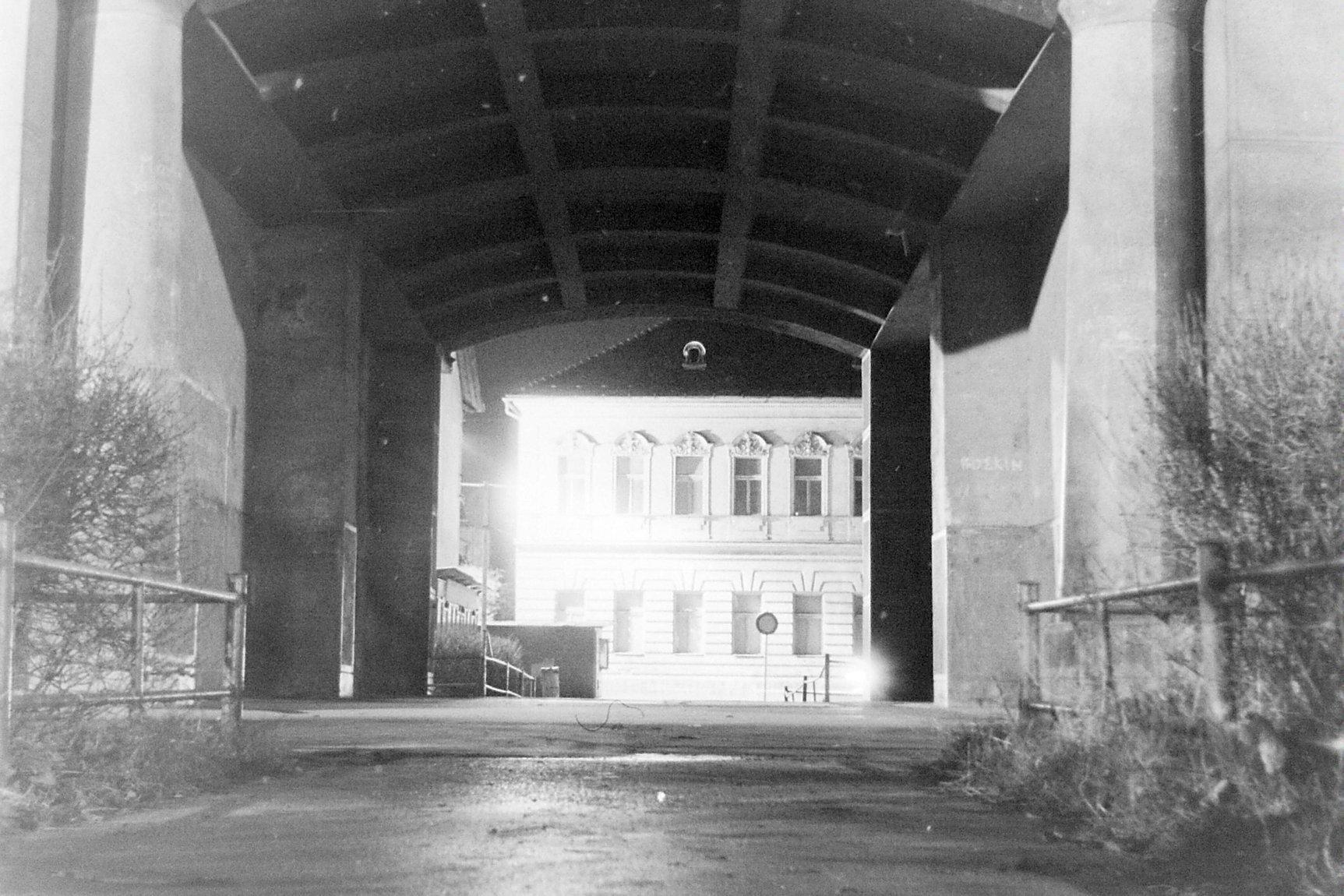 Nočný záber na mesto, 80te roky