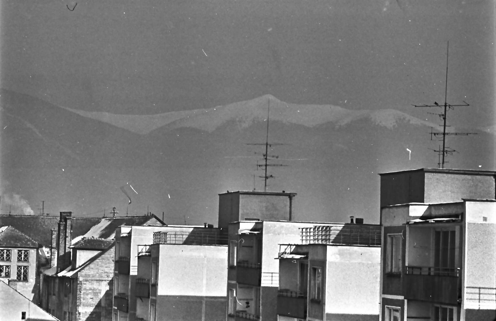 Nováková ulica, 80te roky