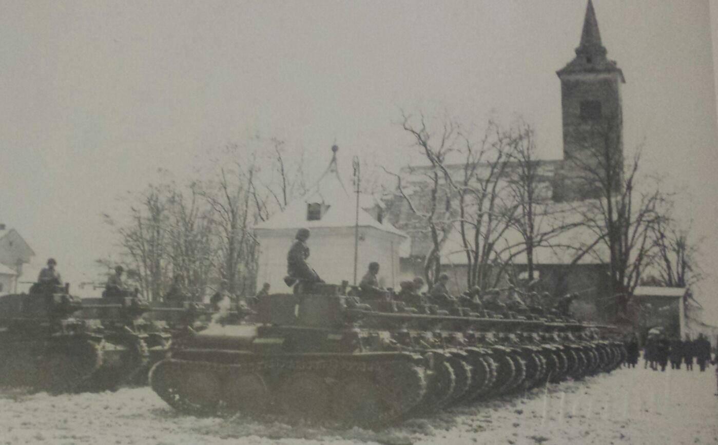 Prehliadka 2 roty pluku útočnej vozby, tanky Lt Vz.38, 14.3.1944