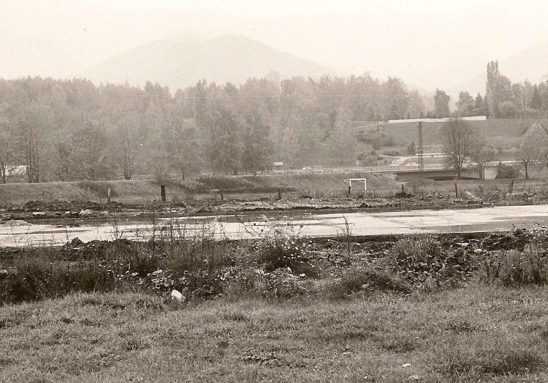 Priekopa, výstavba klziska, 90te roky