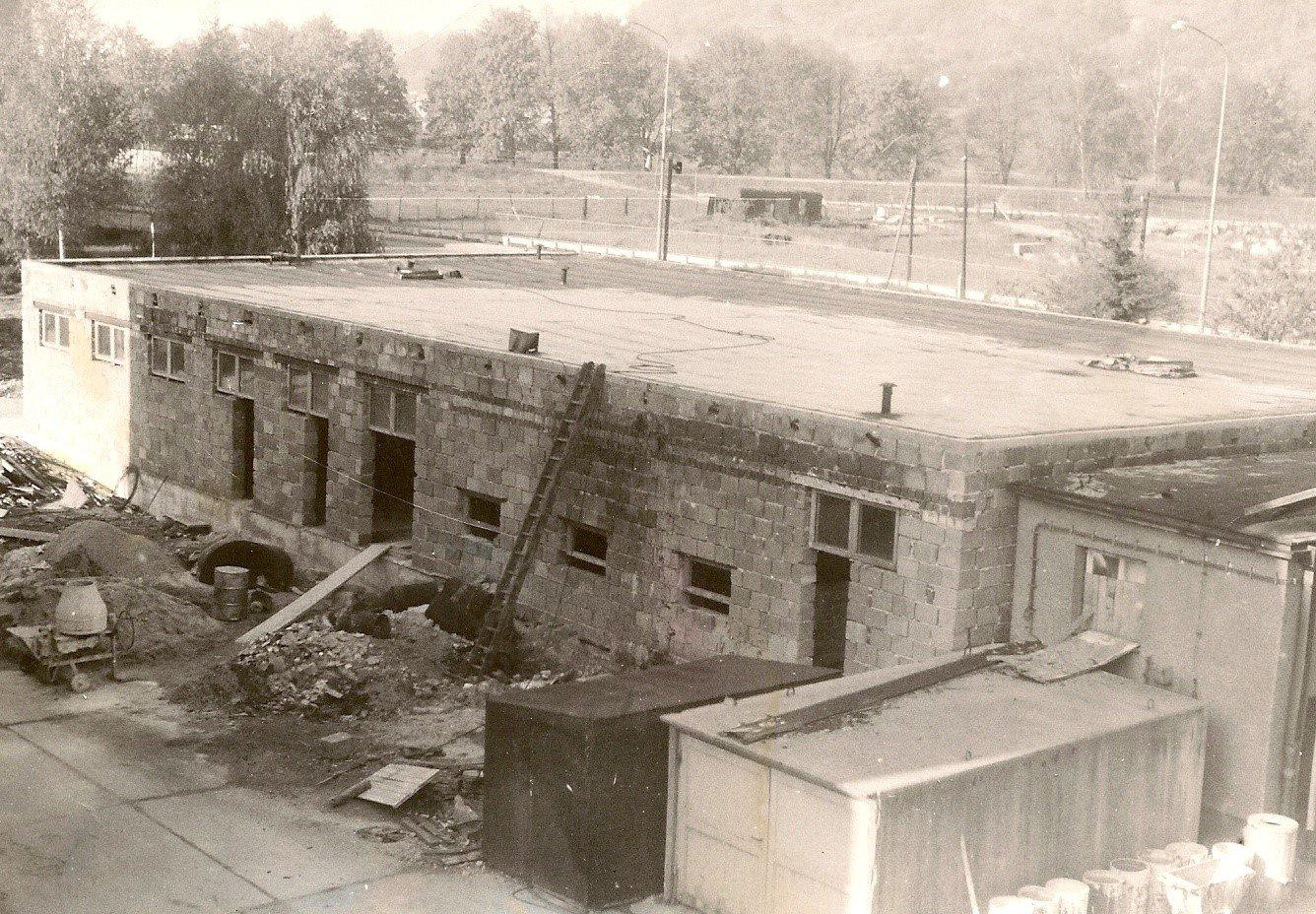 Priekopa, prístavba jedálne, 90te roky