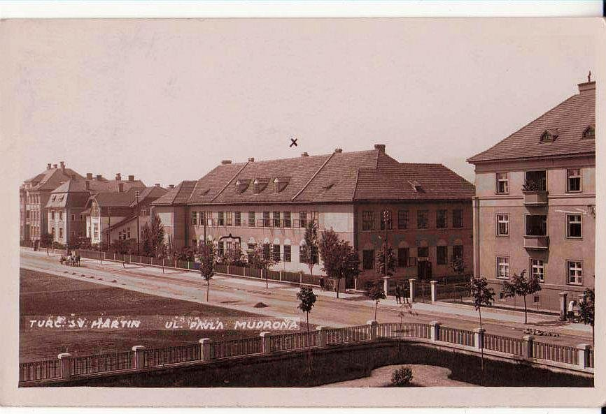 Prvá budova gymnázia, 30te roky