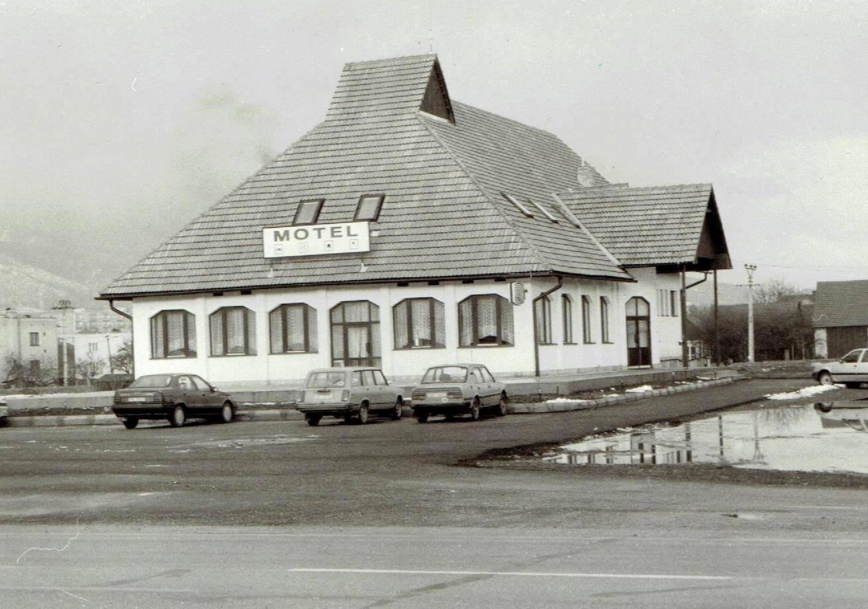 Motel San Martin, 90te roky