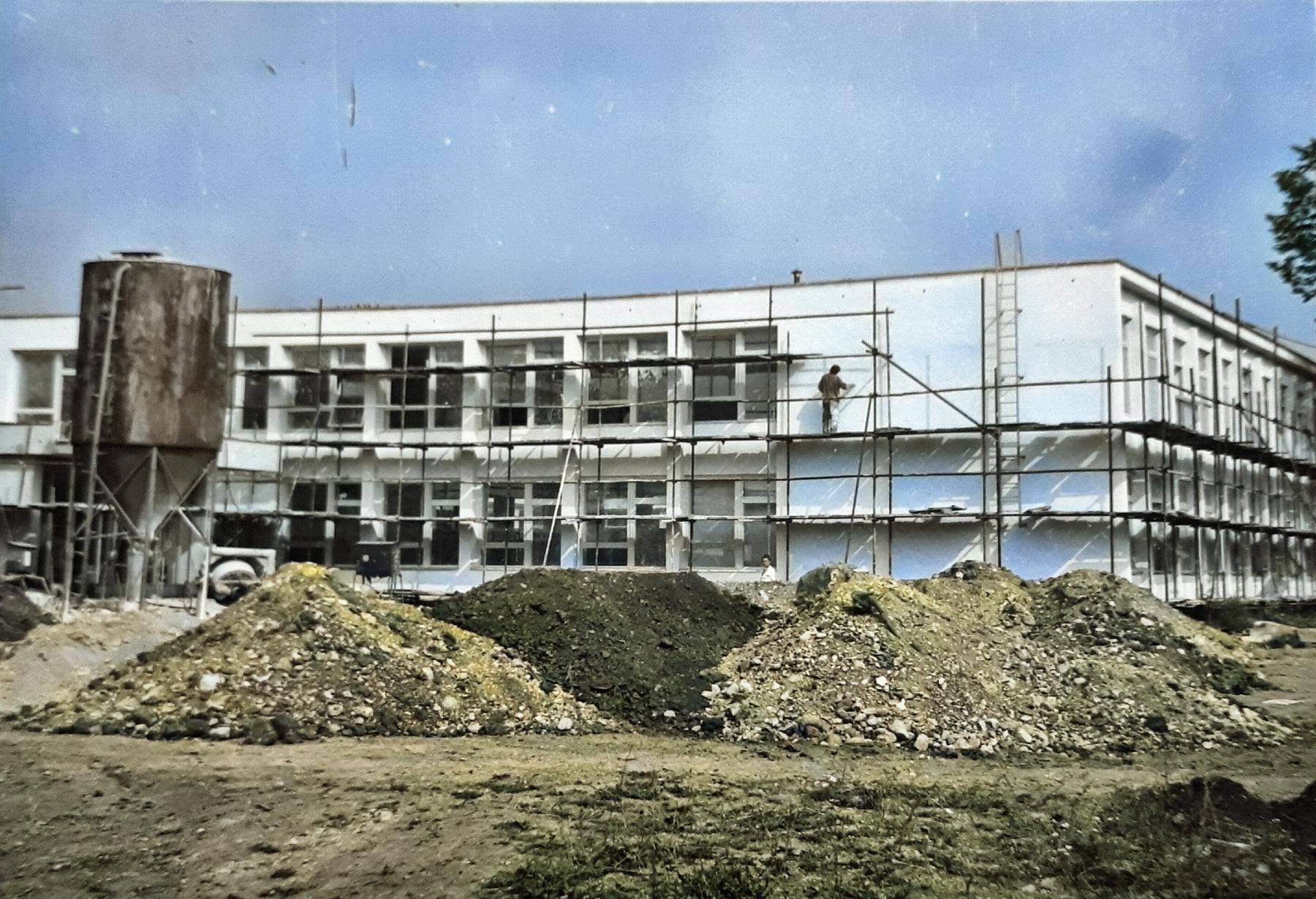 Skola, Jahodníky, 1975-1976
