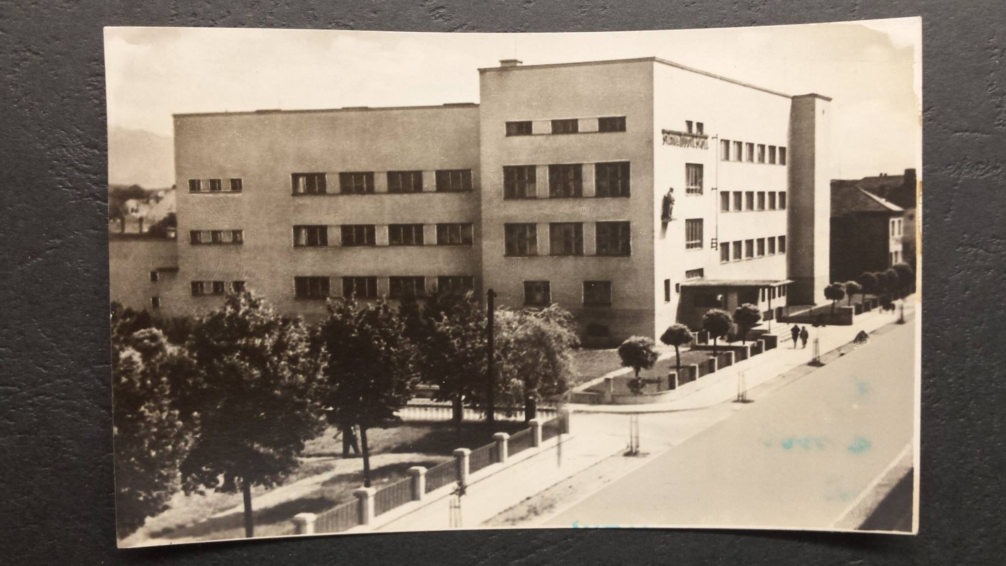 štátna ľudová škola, mudroňova, 60te roky