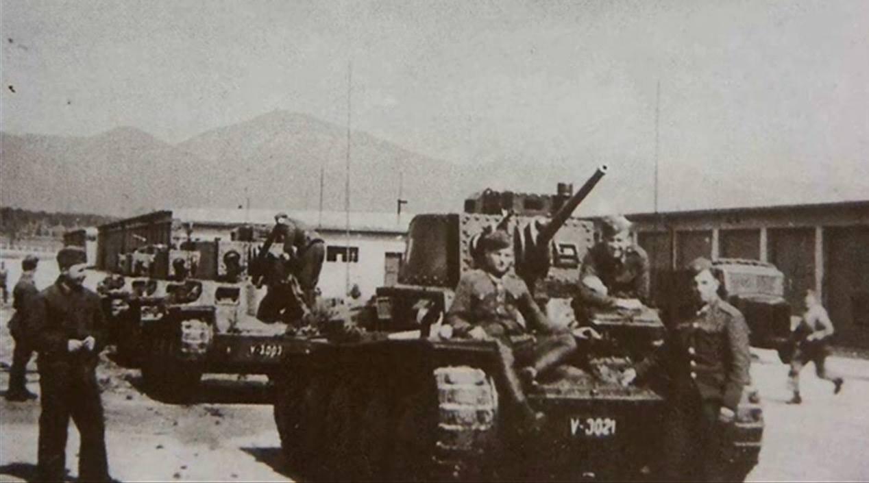 Tanky v meste, 40te roky