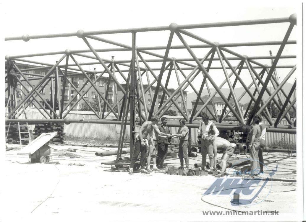 Výstavba zimáku, 70te roky